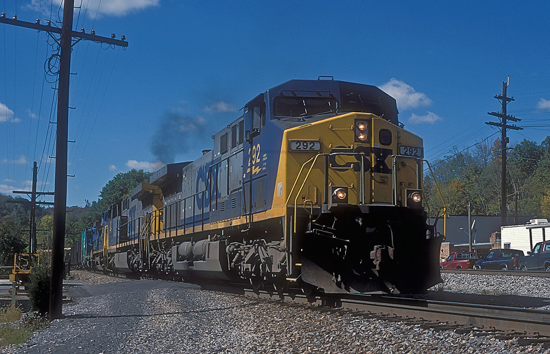 CSX AC4400CW 292 and 227, C44-8W 9022 plus EMD leaser 183 pass St. Paul on 30 September 1999