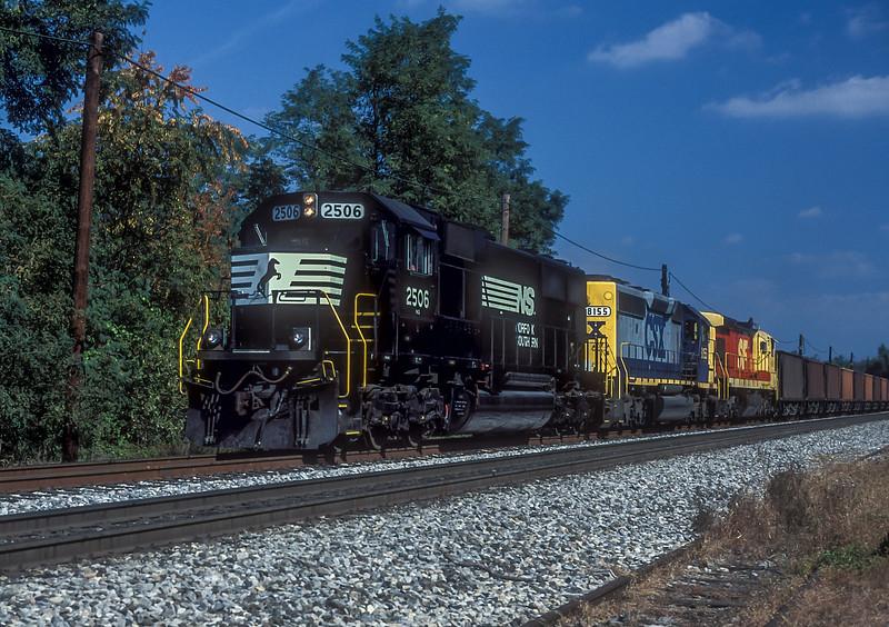 NS 2506 + CSX 8155 + ATSF 8141 Christiansburg 7 October 1994