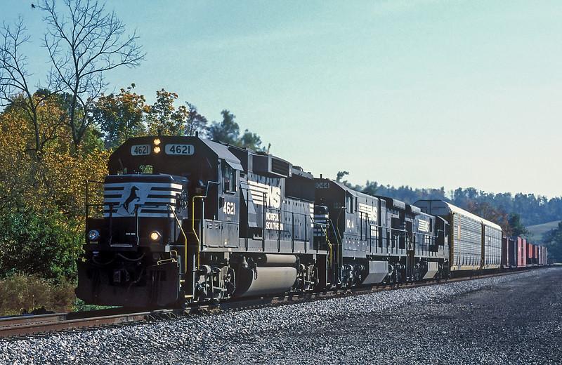 NS 4621 + 8044 Vicker 8 October 1994