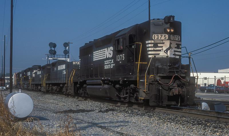 NS 1375 + 9736 + 9739 + 1386 + 3968 Roanoke 7 October 1994