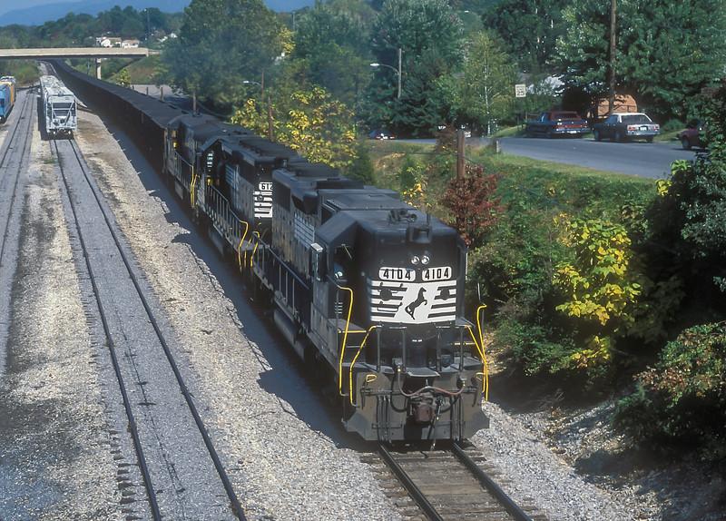 NS 8058 + 6120 + 4104 Waynesboro 6 October 1994
