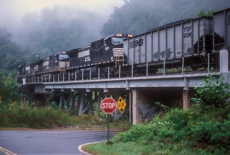 NS 9301 + 9276 + 6662 Saluda 27 September 1999