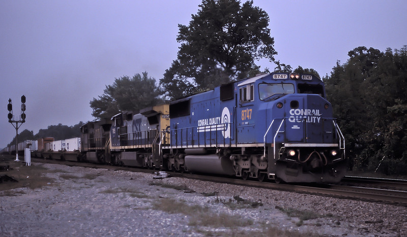 CSX 8747 + 7655 + 673 Doswell 3 October 2002