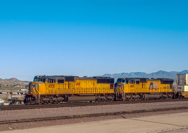 UP 4531 + 4891 Barstow 21 March 2005