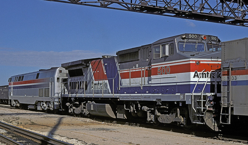 The northbound 'Chief' pauses at Joliet with B40-8PH 823 and B32-8HDM 500 on 14 October 1994