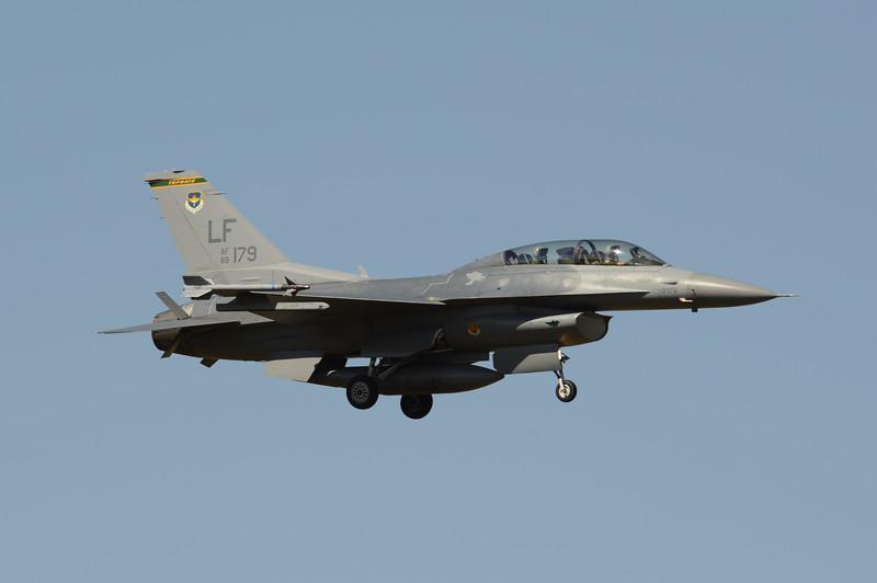 89-2179<br /> F-16DM-42-CF<br /> 310th FS<br /> 1D-54