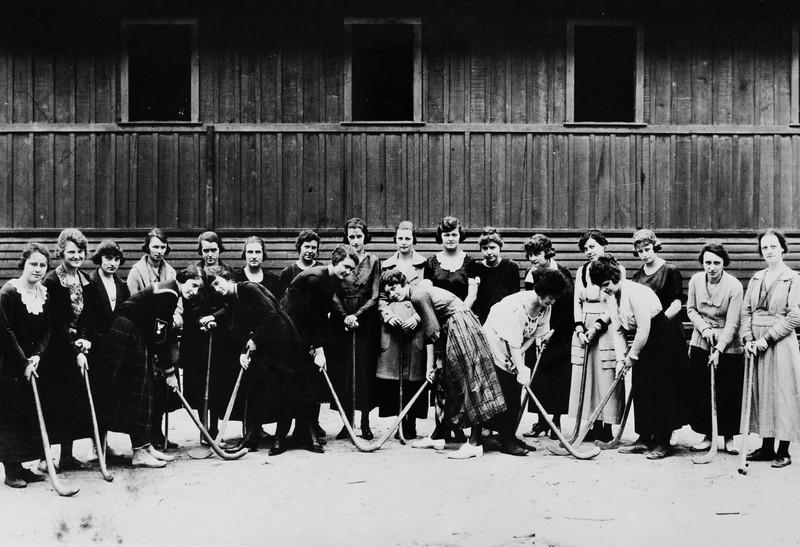 Women's physical education class, USC, ca. 1920