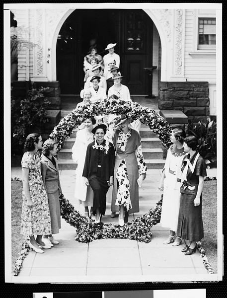 Trojan co-eds announce engagements in Pansy Ring ceremonies, 1935