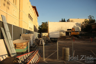 1/19/09 - Schoenberg Institute being razed to make room for new School of Cinematic Arts buildings