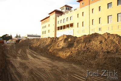 3/1/09 - former site of the Schoenberg Institute which was razed to make room for new School of Cinematic Arts buildings