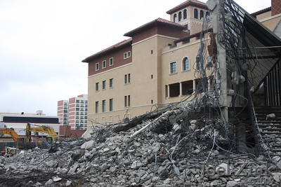 1/23/09 - Schoenberg Institute being razed to make room for new School of Cinematic Arts buildings