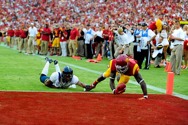 No. 9, Marquise Lee with the touchdown during the game between the USC Trojans and the Cal Golden Bears at the Coliseum in Los Angeles, CA on September 22, 2012.