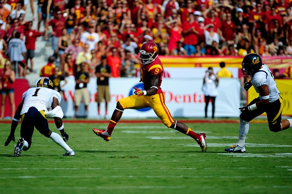 No. 9 Marquise Lee with the ball during the game between the USC Trojans and the Cal Golden Bears at the Coliseum in Los Angeles, CA on September 22, 2012.