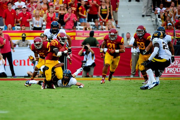 No. 25, Silas Redd with the ball during the game between the USC Trojans and the Cal Golden Bears at the Coliseum in Los Angeles, CA on September 22, 2012.