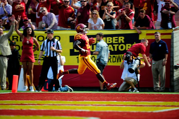 No. 25, Silas Redd with the touchdown during the game between the USC Trojans and the Cal Golden Bears at the Coliseum in Los Angeles, CA on September 22, 2012.