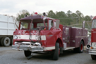 LITTLE ROCK FD  ENGINE 22R   FORD C - BOARDMAN   DESTROYED IN A ACCIDENT