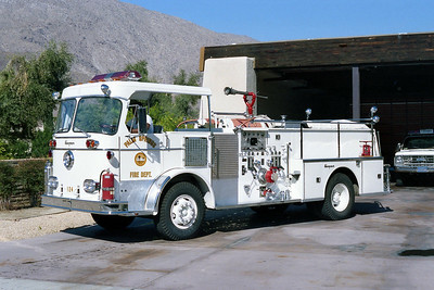 PALM SPRINGS FD  ENGINE 124  1964  SEAGRAVE   1250-400