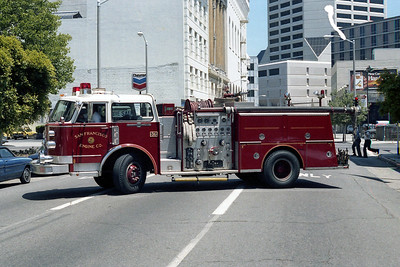 SAN FRANCISCO FD  ENGINE  36  1976  ALF CENTURY   1500-500     SIDE VIEW