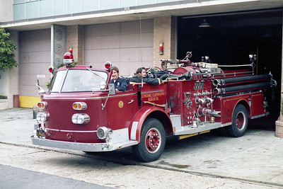 SAN FRANCISCO FD  ENGINE 20   1965  ALF 900   1250-500