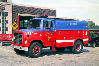 GARY FD IN  FLYING SQUAD 2A  FORD L800 -