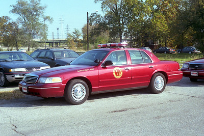 GARY FD IN  BATTALION 5  FORD CROWN VIC