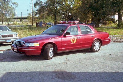 GARY FD IN  BATTALION 4  FORD CROWN VIC