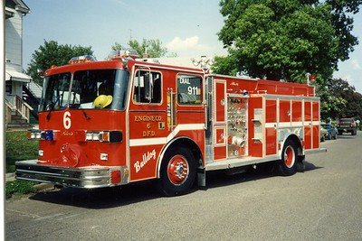DAVENPORT  ENGINE 6  1991 SUTPHEN - ALEXIS  1250-500   BILL FRICKER PHOTO