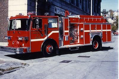 DAVENPORT  ENGINE 3  1989 SUTPHEN - ALEXIS  1250-500  RON HEAL PHOTO