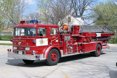 URBANDALE  LADDER 1    IHC - SEAGRAVE