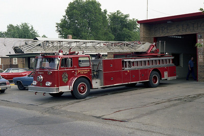 IFD LADDER 10 SEAGRAVE