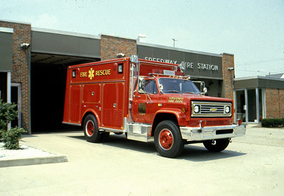 SPEEDWAY FD IN  RESCUE  1981  CHEVY - MARION   PASSENGER SIDE