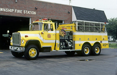 WARREN TOWNSHIP FD - INDIANAPOLIS IN  TANKER 449  1978  FORD L - ALF   1000-2000   X- PERRY TOWNSHIP FD IN