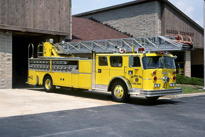 WARREN TOWNSHIP FD - INDIANAPOLIS IN  LADDER 441  1972  SEAGRAVE - 1985  INTERSTATE   100'   #B-73158   X- FDNY   MARK MITCHELL PHOTO