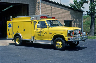 WARREN TOWNSHIP FD - INDIANAPOLIS IN  SQUAD 43  1986  FORD F - INDIANA FIRE APPARATUS    MARK MITCHELL PHOTO