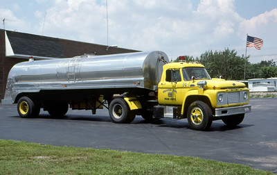 WARREN TOWNSHIP FD - INDIANAPOLIS IN  TANKER 42  1964  FORD F - 1969  PROGRESS   300-4000      PASSENGER SIDE   MARK MITCHELL PHOTO