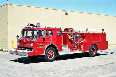 TOPEKA FD KS  ENGINE 1  1973  FORD C - AMERICAN   1000-500