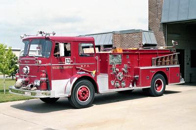 WICHITA FD  ENGINE 13R  1966  SEAGRAVE   1000-500