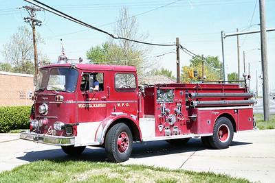 WICHITA FD  ENGINE 46R  1965  SEAGRAVE   1000-500