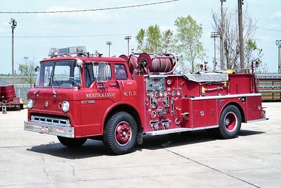 WICHITA FD  ENGINE 42R  1971  FORD C - SEAGRAVE   750-500