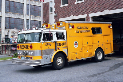 WORCESTER FD MA RESCUE 1  1974  HAHN - PROVIDENCE