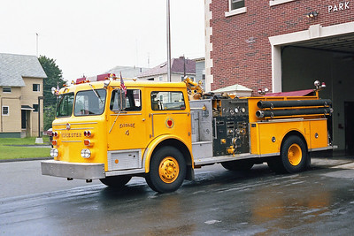 WORCESTER FD MA  ENGINE 4  1976  MAXIM F   1250-500