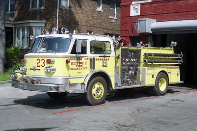 DETROIT FD  ENGINE 23  1983  ALF CENTURY   1250-500  RED STRIPE