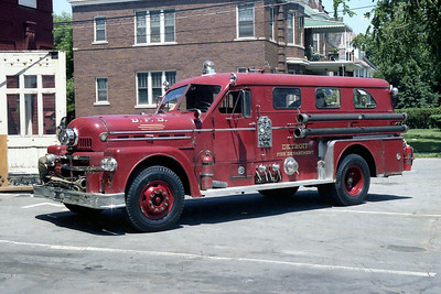 DETROIT FD  ENGINE 23   SEAGRAVE 70th ON THE RAMP