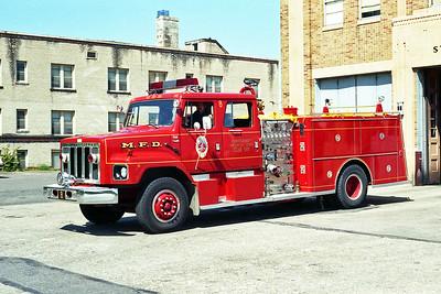 MINNEAPOLIS FD MN  ENGINE 8  1981  IHC S - GENERAL SAFETY   1250-500