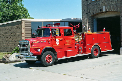 MINNEAPOLIS FD MN  ENGINE 11  1977  FORD L8000 - GENERAL SAFETY   1250-500