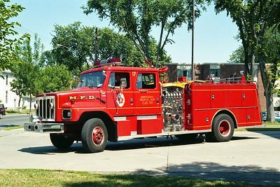 MINNEAPOLIS FD MN  ENGINE 17  1981  IHC S - GENERAL SAFETY   1250-500