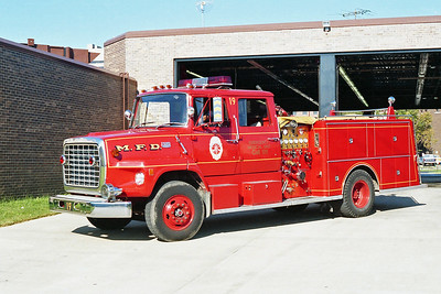 MINNEAPOLIS FD MN  ENGINE 19  1974  FORD L8000 - GENERAL SAFETY   1250-500