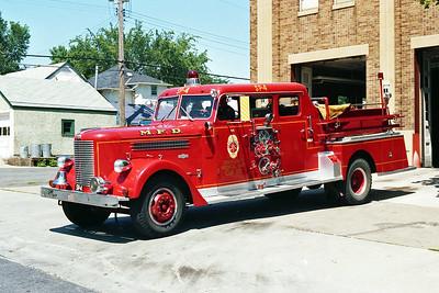 MINNEAPOLIS FD MN  ENGINE 4R  1956  PIRSCH   1250-500