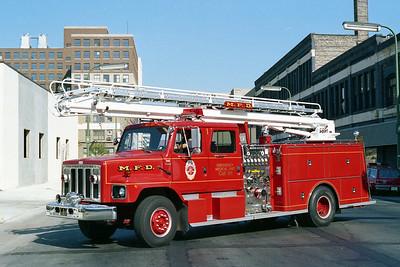 MINNEAPOLIS FD MN  ENGINE 1  1981  IHC S - 1984  GENERAL SAFETY   1250-500-50' TSQT
