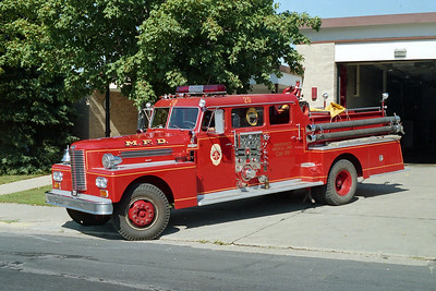 MINNEAPOLIS FD MN  ENGINE 20  1972  FORD L8000 - GENERAL SAFETY   1250-500